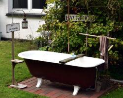 """""""Badezimmer"""" im Garten"""