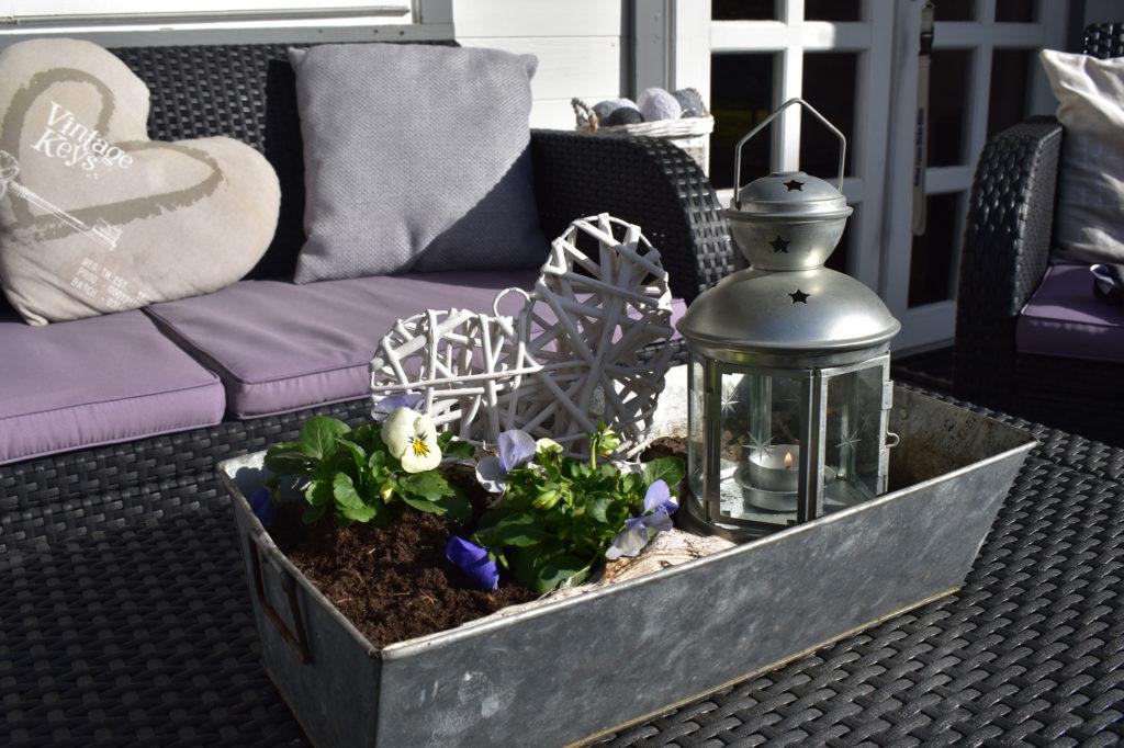 Gartendeko Landhaus Frühling