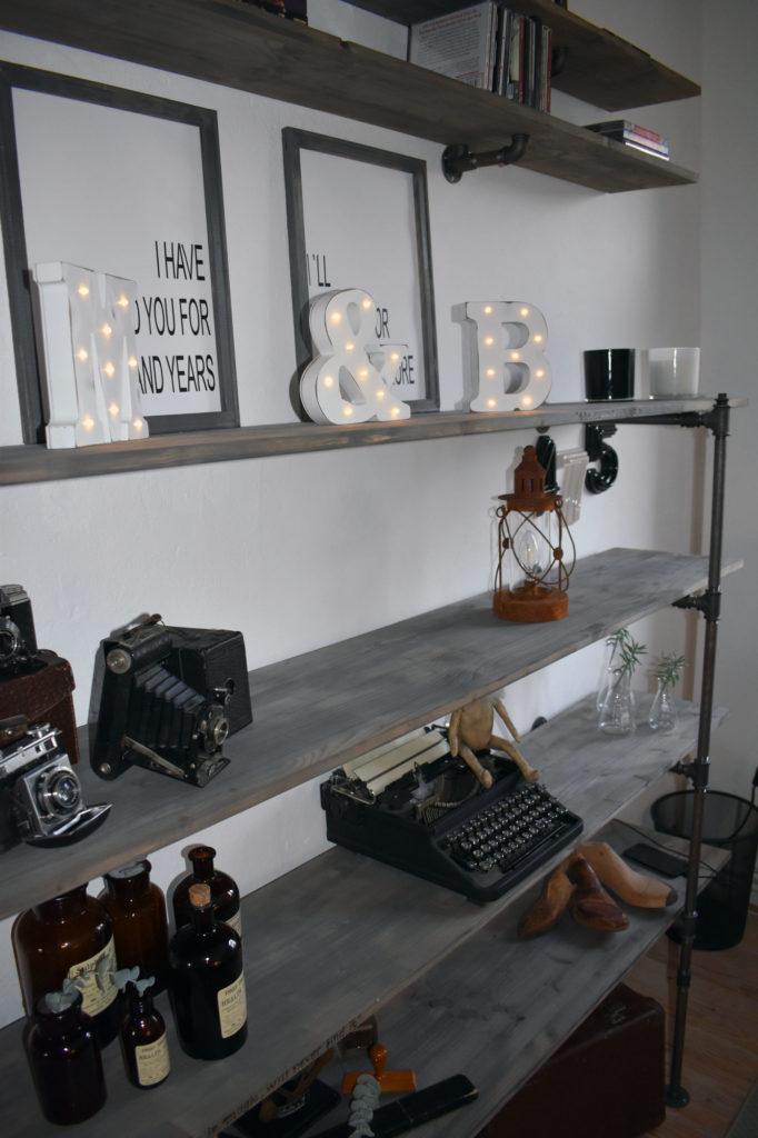 wohnzimmer industrialstyle regal aus wasserrohren