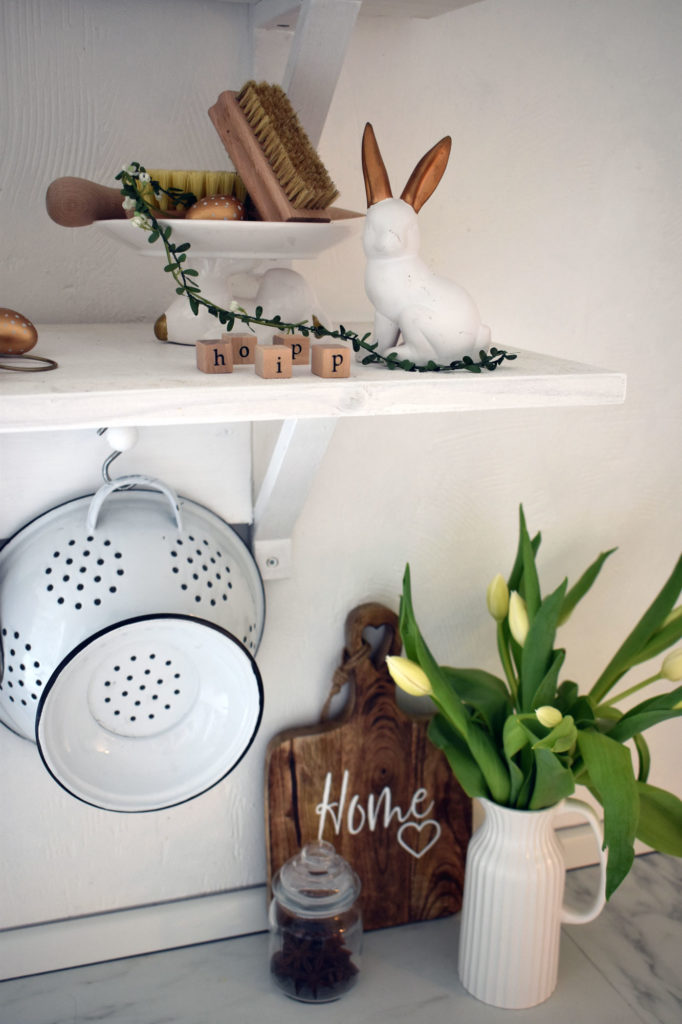 deko ostern landhaus küche blumen