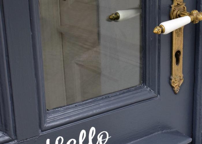 Neue Farbe für die Haustür