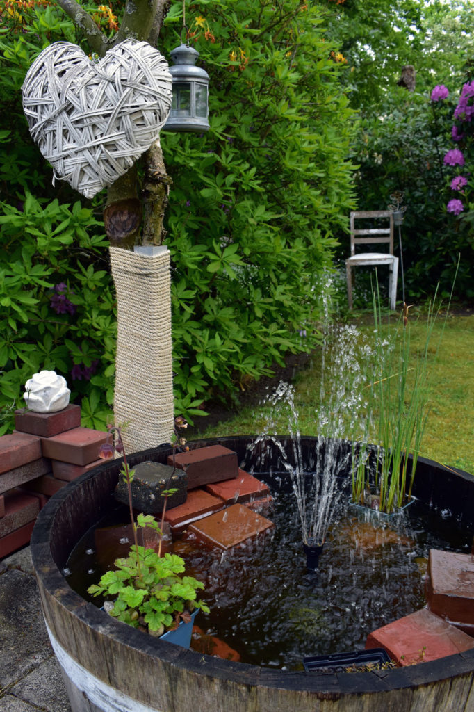 Springbrunnen Weinfass Garten Deko