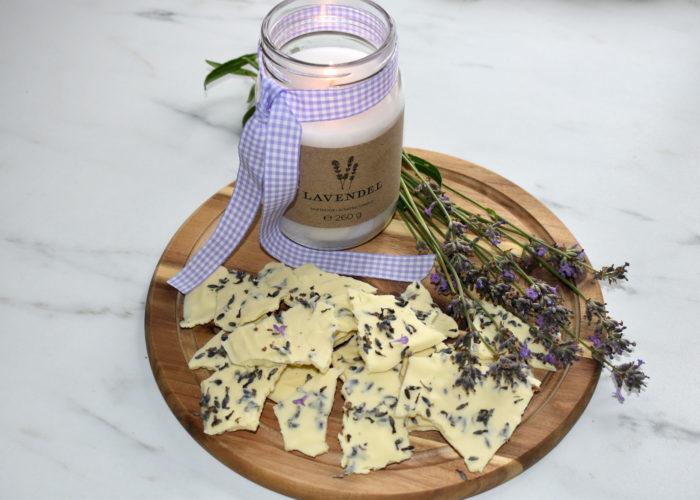 Bruchschokolade mit Lavendel